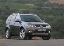MITSUBISHI Outlander 2.0 DI-D Instyle - 103.00kW [2007]