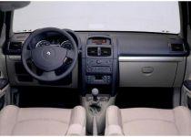 RENAULT Clio 1.2 16V Authentique - 55.00kW [2001]
