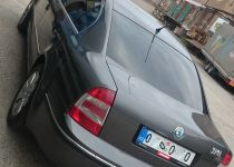 ŠKODA  Superb 2.8 V6 Comfort A/T
