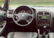 TOYOTA Avensis 1.6 [2001]
