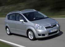 TOYOTA Corolla Verso  2.2 D-4D 180 Lux 7m - 130.00kW