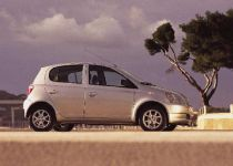 TOYOTA Yaris  1.0 VVT-i Terra Power - 50.00kW