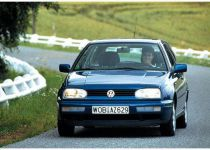 VOLKSWAGEN Golf  1.6 CL - 55.00kW